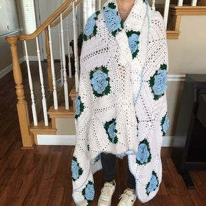 Vintage Handmade Floral Crochet afghan